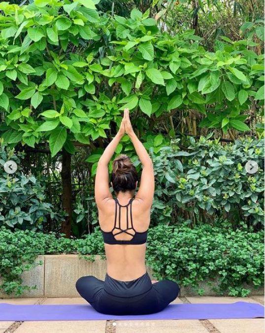 Komolika aka Hina Khan showed off her yoga magic on International Yoga Day