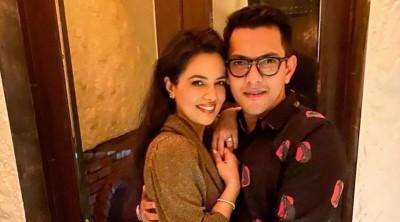 Aditya Narayan shares workout video; fan say 'Shweta bhabhi ho impress karna hai'?