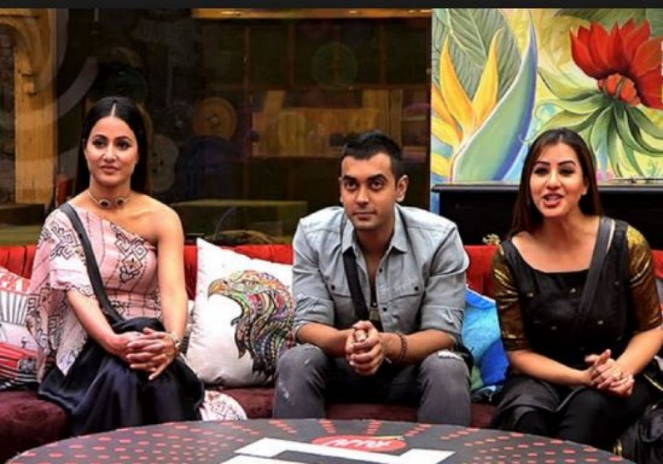 Did this Contestant of Big Boss 11 Blocked Hina Khan?
