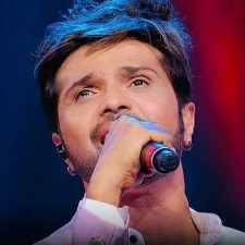 Himesh Reshammiya kept his promise, recorded first song with this Indian Idol 12 contestant