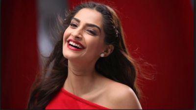 No one wanted to work with Sonam Kapoor, this Pakistani Actor came in support