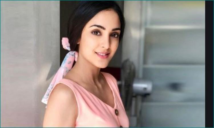 This TV actress talks about makeup and non-makeup look ...