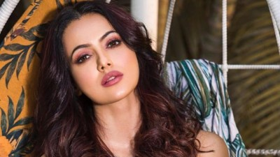Sana Khan trolled for posting picture related to Ramadan