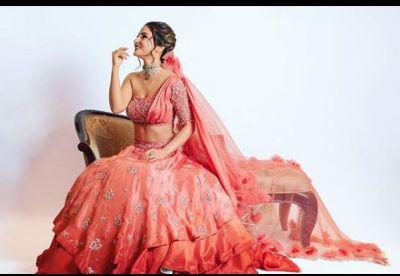 बॉम्बे टाइम्स फैशन वीक में सबसे खूबसूरत नजर आईं कोमोलिका, लुटा सबका दिल