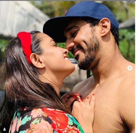 पति संग गोवा में रोमांटिक पल बिता रहीं हैं अनीता हसनंदानी