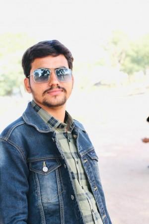 सोशल मीडिया एंटरप्रेन्योर सचिन चाहर ने कम उम्र कमाया नाम, सेलिब्रिटीज के साथ कर रहे काम