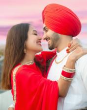 Video: Husband Rohan suffered headache, Neha kakkar asks such a strange question