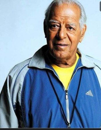 Dara Singh used to eat 100 almonds and drink 3 coconut water before shooting