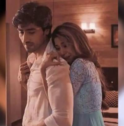 Jennifer Winget and Harshad Chopra seen in a romantic mood