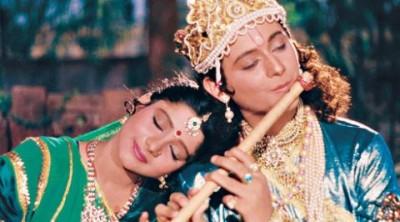 People of Gokul fascinated of Krishna's cute antics