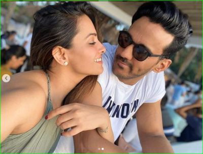 Anita Hansnandani is enjoying vacations in Goa with her husband