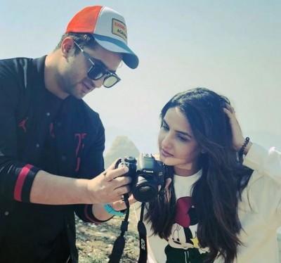 Rahul Vaidya asks Jasmin Bhasin about relationship with Aly Goni, actress replies