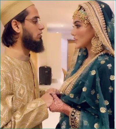 Newlywed Sana Khan recites Ayatul Kursi with husband Mufti, watch video here