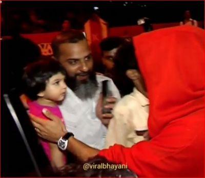 रणवीर का रेड लुक देखते ही रोने लगी बच्ची, वीडियो हो रहा जमकर वायरल