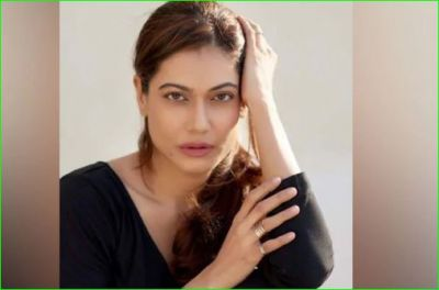 Payal Rohatgi accused of commenting against Nehru family