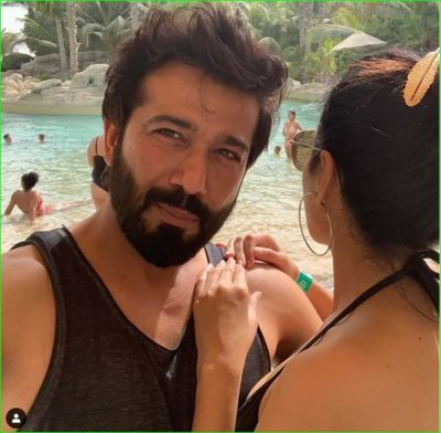 This actress is enjoying with a boyfriend in  bikini, check out the picture here