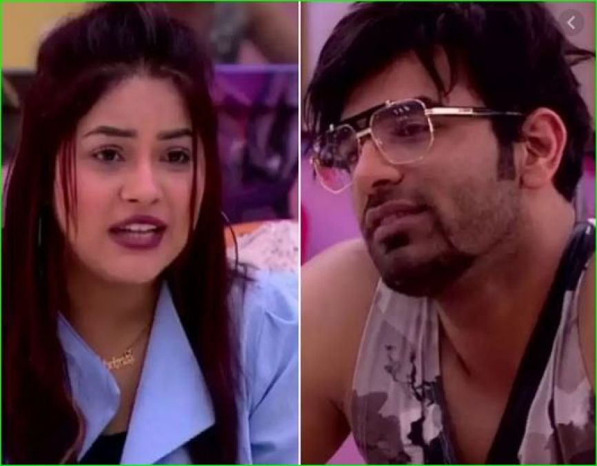 This contestant of Bigg Boss is very weak in English, could not spell Goggles'