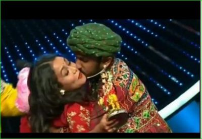 Contestant first gave gifts to Neha and then kissed her forcibly, watch video here