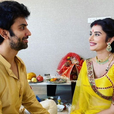 Charu Asopa celebrates Navratri with husband Rajiv Sen, shares these pictures