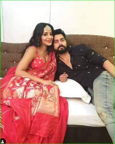 Monalisa shares a beautiful picture with her husband on Karva Chauth, check it out here