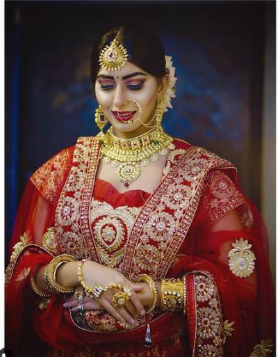 लाल जोड़े में इस एक्ट्रेस ने बिना शादी किए मनाया करवाचौथ