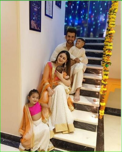 Mahi-Jay celebrates first Diwali with her daughter Tara, shared family photo