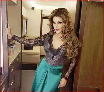Video: Rakhi Sawant dances on Bharti Singh's Show, Video goes viral
