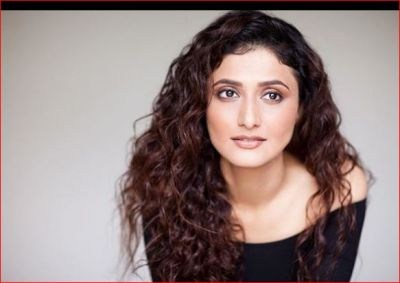 I compete with myself, says telly town actress Ragini Khanna