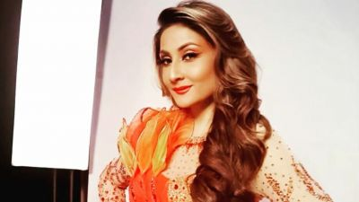 Urvashi Dholakia completes 27 years in the industry; shares then and now pics