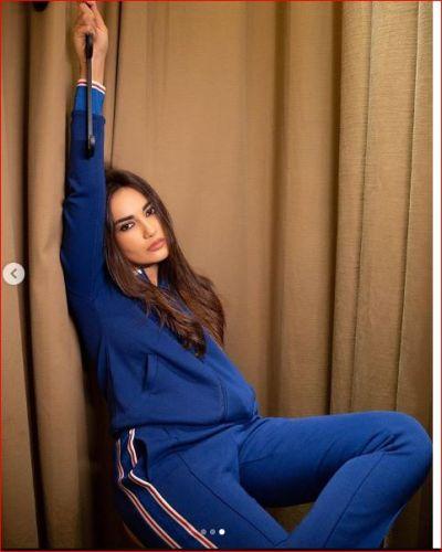 Nagin Bela caused havoc in a blue dress
