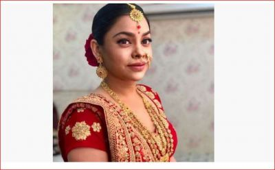 Sumona Chakraborty looks sad after becoming the bride of this married actor