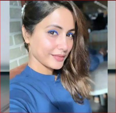 Hina Khan stuns in a blue dress and blueliner at the airport, check out here