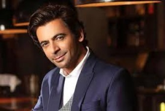 Devoleena's reacts  in this way when Sunil Grover turns 'Topi Bahu'