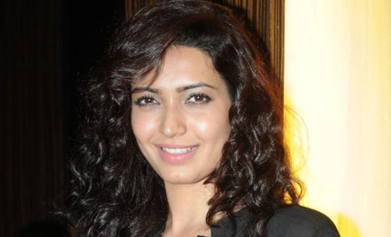 Is Karishma Tanna in love again???