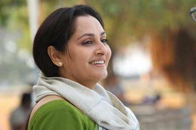 जन्मदिन विशेष : जया फिल्म अभिनेत्री के साथ है एक कुशल राजनीतिज्ञ