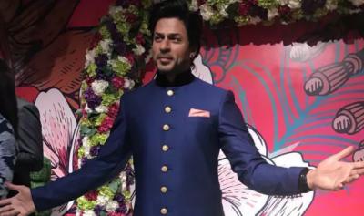 Shahrukh Khan's wax statue unveiled at Madame Tussauds Delhi