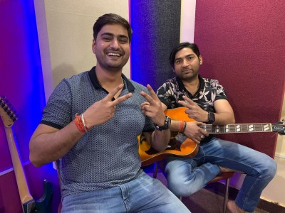 Composer Anand Tripathi & Bulleya singer Amit Mishra team up for new song 'Tera Dewaana'
