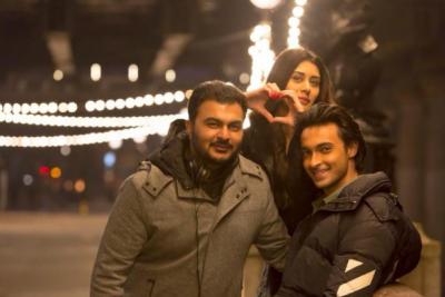 Aayush Sharma and Warina Hussain enjoy shooting for their upcoming movie