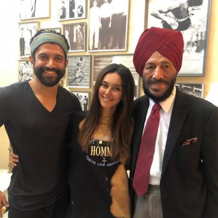 Farhan Akhtar's GF Shibani Dandekar meets reel & real Milkha Singh, check it out know