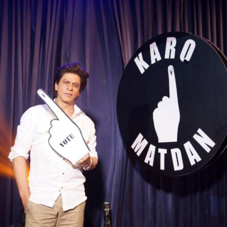 Watch the video: Shah Rukh Khan turns rapper to urges fans to vote