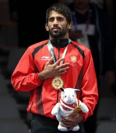 Anil Kapoor congratulates Bajrang Punia on his victory