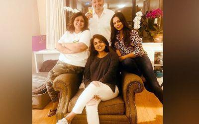Gauri Khan went to meet Rishi Kapoor, Neetu shares photo!