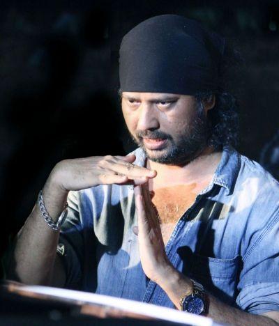 """Filmmaker Mahesh Bhatt says that """"honest"""" and """"new"""" filmmaker like Tariq Khan must always be supported."""