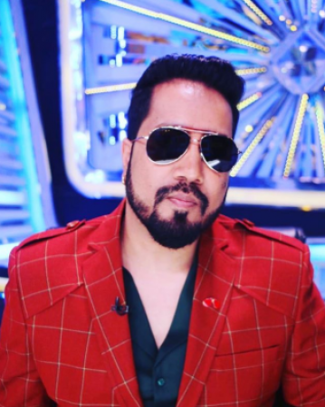 Mika Singh arrested in Dubai on the complaint of alleged sexual misconduct with 17 year old girl