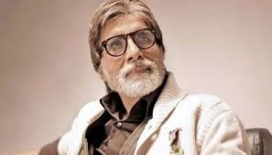Megastar Big B reveal the pics 'Thugs of Hindostan'