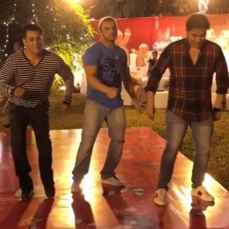 Watch video -Salman Khan, Arbaaz Khan and Sohail Khan shakes the legs together at little Ahil's Christmas party