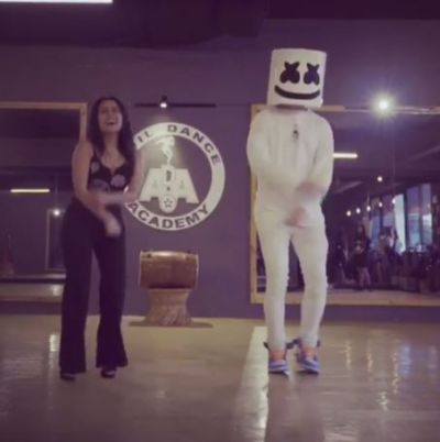 Neha Kakkar shakes legs with  DJ Marshmellow on 'Coca Cola Tu', watch viral video here