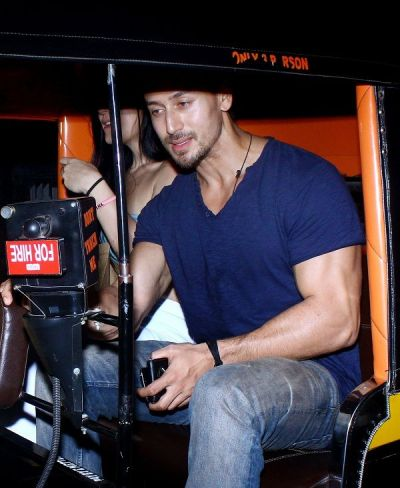 Sorry Disha Patani, Tiger Shroff takes someone else on a dinner date in an auto, see pictures