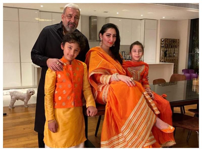संजय दत्त ने अनोखे अंदाज में किया पत्नी मान्यता को बर्थडे विश, कही ये बड़ी बात