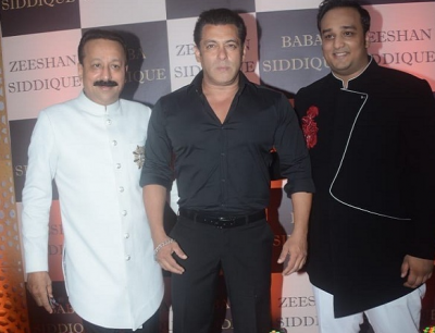 Baba Siddique's Iftar Party: Bollywood celebs Poise the occasion